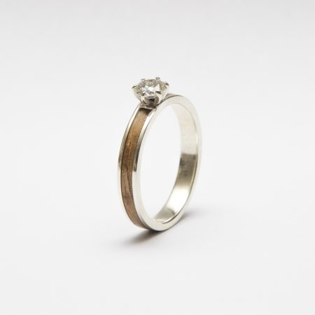 Ladies-wooden-ring-with-diamond